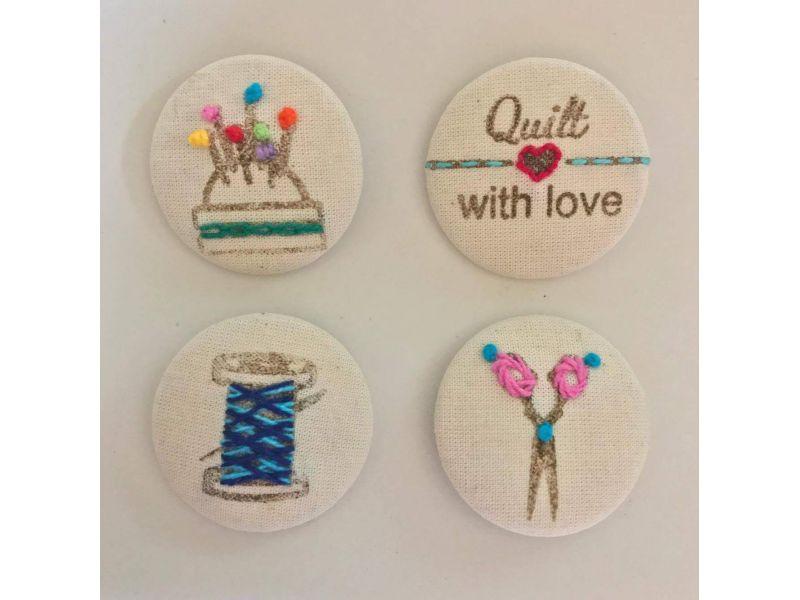 Botões forrados bordados - Quilt with love